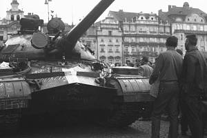 Rudolf Šturm z Domažlic zachytil v srpnu 1968 okupovanou Plzeň.