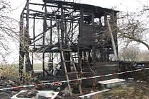 Požár chatky v Přesu.