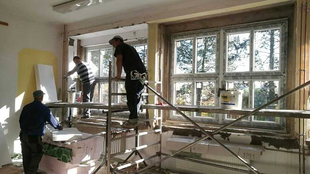 Nejnáročnější část oprav školy mají bělští za sebou.