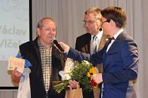 Trenérem roku byl při vyhlašování ankety Sportovec Domažlicka vyhlášen trenér domažlických plavců Václav Vlček.