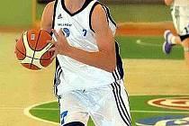 Jedna z opor basketbalové Jiskry Domažlice U 19 Jan Kozina.