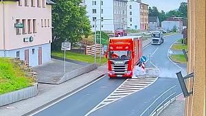Nehoda kamionu ve Všerubech u Kdyně.