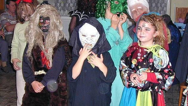 Pro děti se mnohde v našem regionu stala součástí běžného života. Masky k ní neodmyslitelně patří.