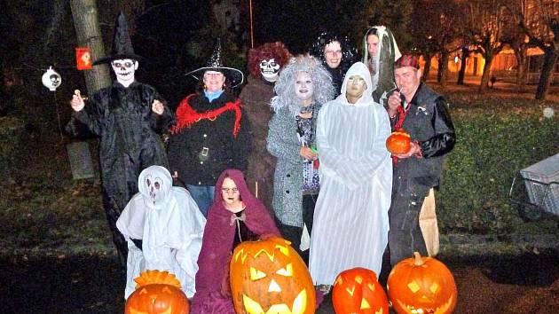 Z Halloweenského průvodu PS Safír ve Kdyni.