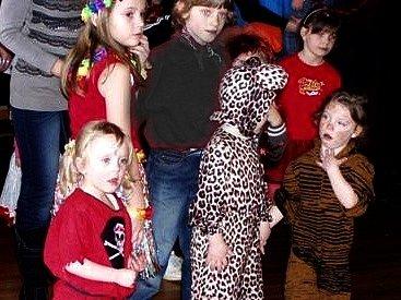 Z karnevalu pro děti v Kulturním domě Újezd.