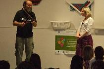 Profesor Jan Lepš přednášel o Islandu.