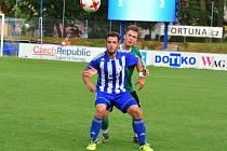 Milan Lucák (v pruhovaném dresu).