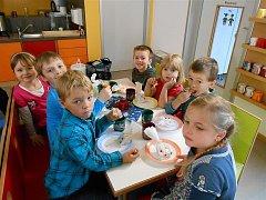 Z návštěvy hostouňských předškoláků v partnerské mateřince ve Waldthurnu.