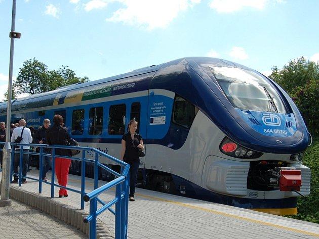 Osobní vlaky mezi Blížejovem a Domažlicemi nahradí autobusy.