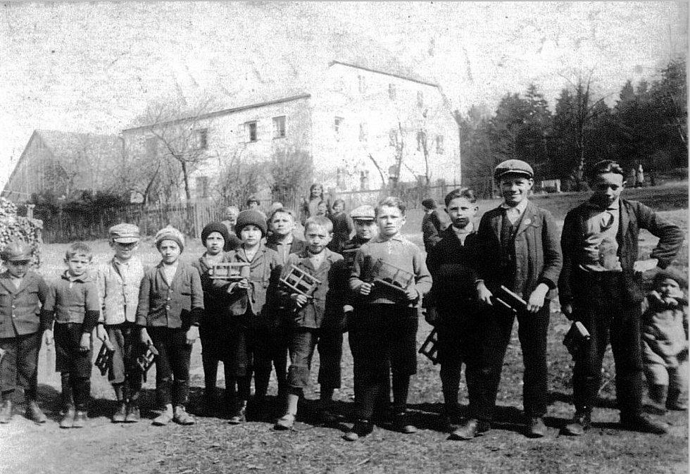 Tradice v dnes už zaniklé obci Lučina.