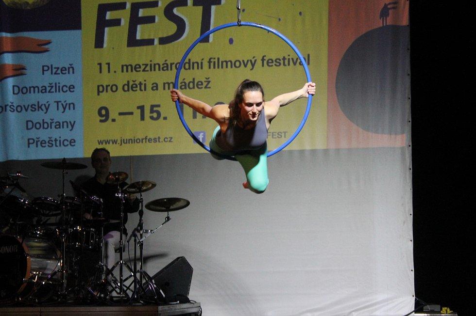 Ze zahájení festivalu.