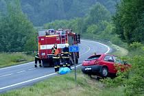 Z místa smrtelné nehody na silnici I/26 u odbočky na Havlovice.