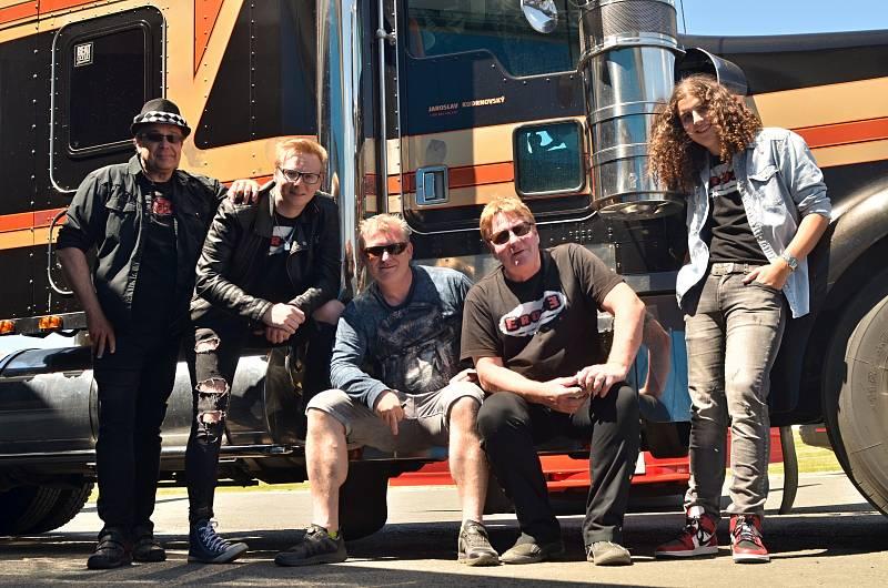 Rocková skupina Eroze ze Staňkova.