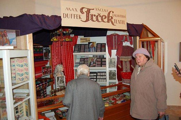 Vernisáž výstavy Chodské kroje v Muzeu Chodska Domažlice ve středu 30. března.