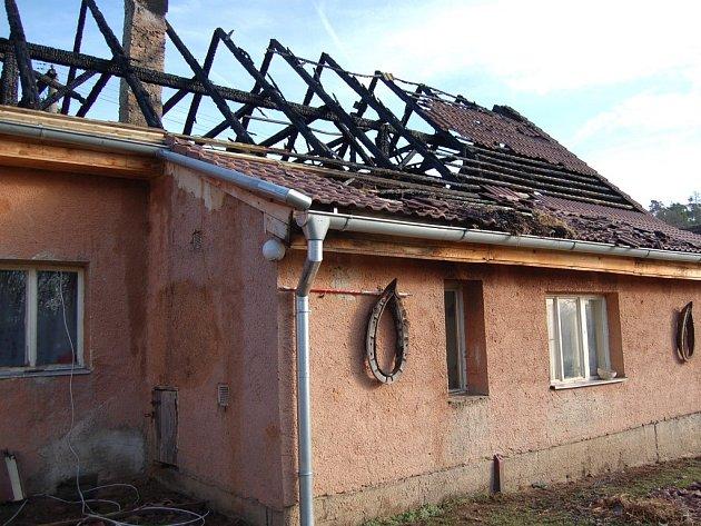 Požár rodinného domu v Podrážnici u Horšovského Týna.