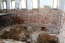 Z rekonstrukce sociálního zařízení v poběžovickém kině.