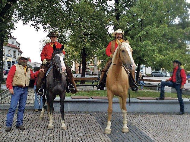 Zástupci Domažlicka jeli jako Pony Expres.