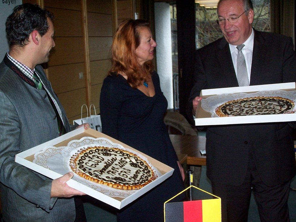 Slavnostní podpis partnerské smlouvy mezi GJŠB a chamskou Realschule.