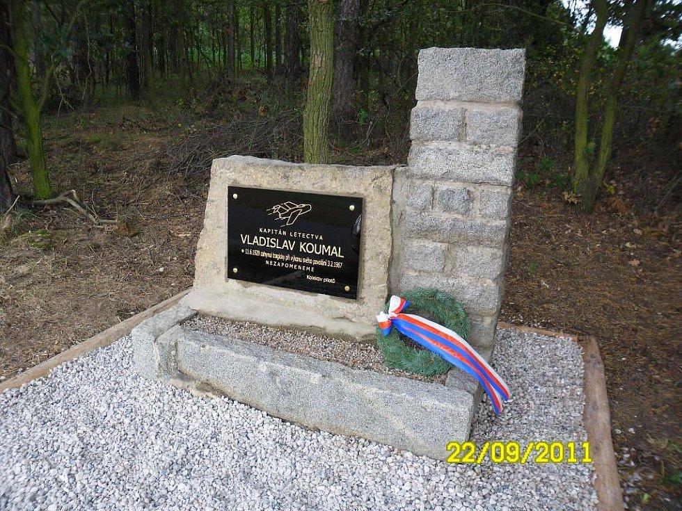 Památník kapitána Vladislava Koumala u Blížejova.