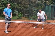 Tradiční účastníci okresní týmové soutěže Davis Cup Václav Sladký (vlevo) a Václav Hůtta z SK Šumava Domažlice.