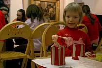 O jarních prázdninách se děti zabavily i výrobou kontejnerů na tužky v prostorách Galerie bratří Špillarů.