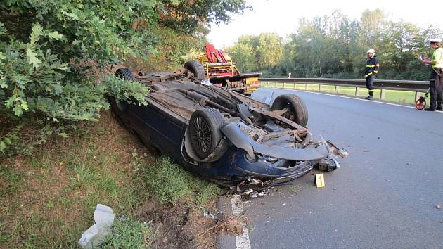 Opilý řidič fordu havaroval za Horšovským Týnem.