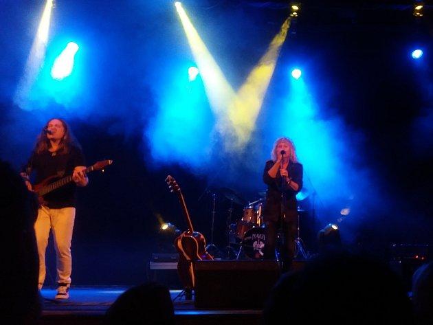 """Po dvou letech se Peter Nagy se svou kapelou Indigo vrátil """"na místo činu"""" do Horšovského Týna."""