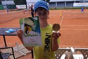 TADEÁŠ PODESTÁT byl nejlepší z tenistů domácího klubu.