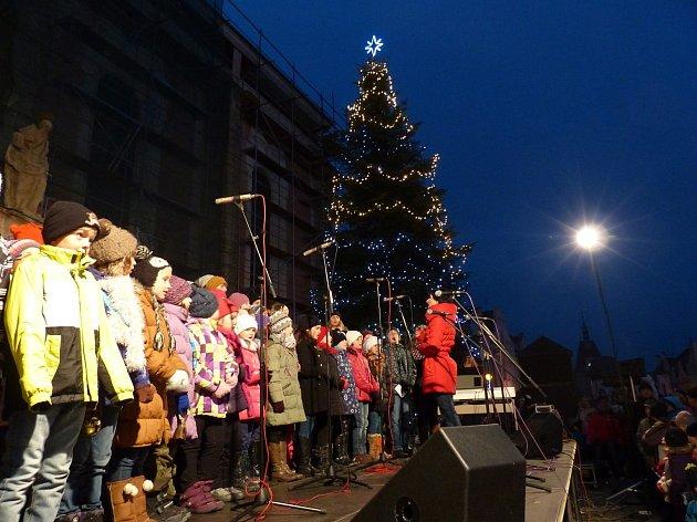 Z rozsvícení vánočního stromu v Domažlicích.