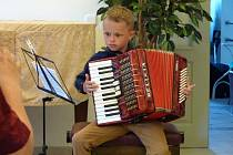 Z koncertu žáků akordeonového oddělení Základní umělecké školky Kdyně.