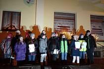 Dětský sbor v Bělé nad Radbuzou vystoupil ještě před akcí Česko zpívá koledy.