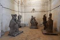 Restaurované sochy.