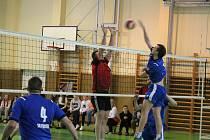 Volejbalisté domažlického A-týmu doma naposledy porazili pražský Prosek.