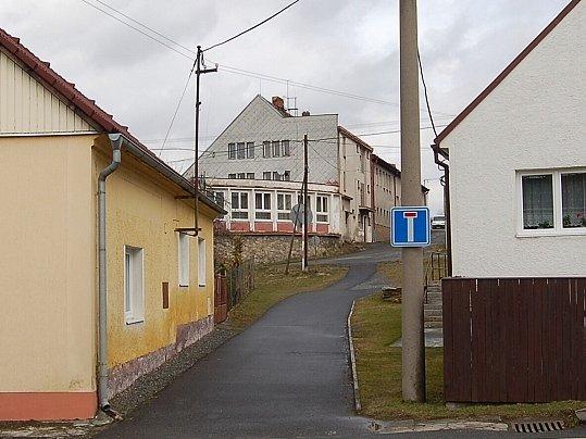 DRAŽENOVSKÁ RYCHTA. Kromě restaurace v ní mají Draženovští i sál, kde se konají taneční zábavy a další kulturní akce.