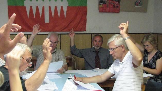 Klenečtí zastupitelé odhlasovali na svém posledním jednání další kontrolu v základní škole.