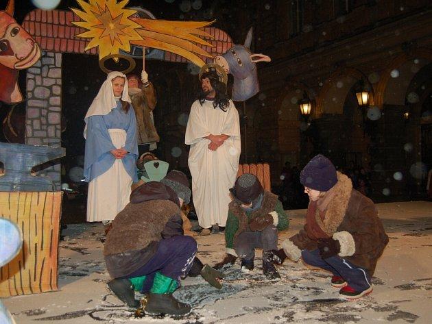 Zpěvohra Vypečená vánoční suita na domažlickém náměstí.