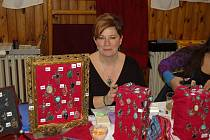 RADKA SVITÁKOVÁ své šperky představila na nedávném vánočním trhu v dílském obecním sále.