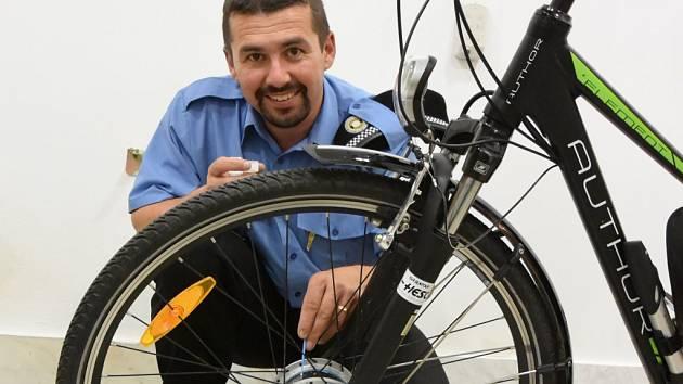 Domažličtí strážníci značí kola již od roku 2015