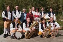 Dechová a taneční hudba Hájenka.