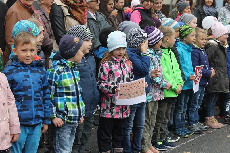 Z oslav republiky, kterých se ujaly děti a žáci základní školy ve Kdyni.