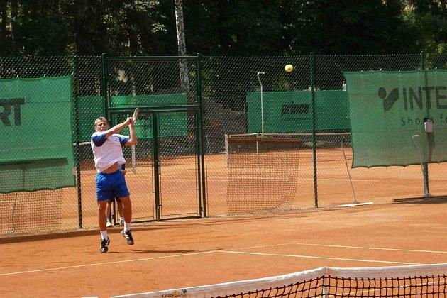 Ze slavnostního otevření zrekonstruovaných tenisových kurtů na domažlické Střelnici.