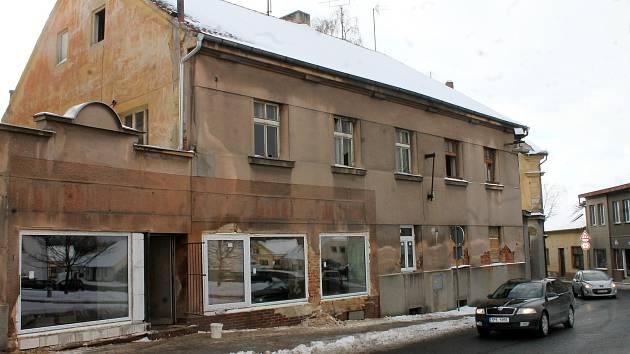 Část objektu v nádražní ulici půjde k zemi, zbytek se promění v městské byty.