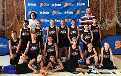 Školní basketbalový tým ze Základní školy Komenského 17 v Domažlicích.