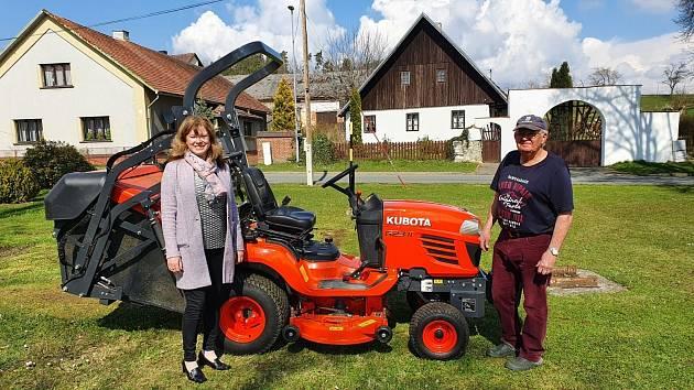 V Libkově pořídili nový žací traktor.
