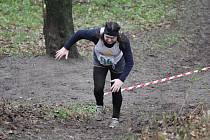 Krosových závodů má na svém kontě běžec Sýkora nespočetně. Dráhu ve veteránských kategoriích vyměnil hlavně za kratší a rychlejší přespolní běhy. Foto: Bendovi.