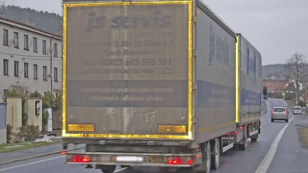 Brnířovem projede týdně pět tisíc nákladních aut.