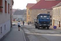 Stavební práce v domažlických ulicích, 30. března 2012