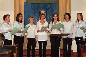 Ve Kdyni oslavili 90. výročí Československa slavnostní vernisáží stálé expozice Židovského muzea v budově synagogy. O sváteční atmosféru se postaral ženský pěvecký sbor Lach z Tachova, který zazpíval hebrejské písně