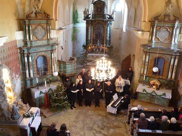Z benefičního koncertu v kostele sv. Václava v Hoře Svatého Václava.