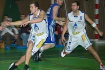 Basketbalisté Jiskry Domažlice chtějí oživit euforii, která ve sportovní hale v minulosti panovala.